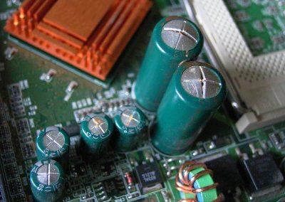 swollen-capacitors